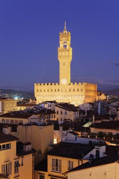 ✯ Tower of Palazzo Vecchio at Dusk - Florence, Italy - chapter 34 Places Ive Been, Places To Go, Toscana Italia, Living In Italy, Portugal, Pisa, Florence Italy, Beautiful Architecture, Tuscany