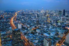 Top 10 Rooftop Bars in Bangkok: Die genialsten Skybars Sky Bar Bangkok, Hotels In Bangkok, Rooftop Bar Bangkok, Best Rooftop Bars, Thailand Destinations, Thailand Travel, Doi Inthanon National Park, Railay Beach, City Of Angels