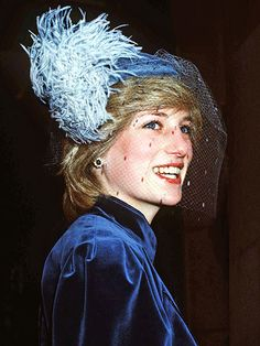 VELVET CRUSHThe Princess of Wales was a vision in blue – down to her color-coordinated feathers – during a December 1982 visit to the University College Hospital in London.