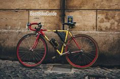 Entry-level road bikes do not have to cost a fortune. There are many entry-level road bikes available today that offer the latest in bike components that meet and exceed all rider expectations… Best Road Bike, Road Bikes, Beginner Road Bike, Entry Level Road Bike, Rum, Velo Design, Elegant Words, Hors Route, Dutch Words