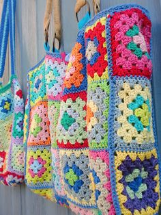 These totally remind me of my great grandma & my grandma!! ❤❤ granny square tote bags