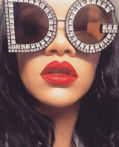 Her lips!! Omg❤️ she's so gorgeous I'm shook! #rihanna #selfie #gorgeous #stunning #fentybeauty #lips #beautiful