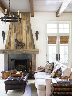 Cozy Corner Fireplace Design Ideas in the Living Room Shabby Chic Rustique, Rustikalen Shabby Chic, Reclaimed Wood Fireplace, Rustic Fireplaces, Wood Mantle, Fireplace Mantle, Fireplace Ideas, Gas Fireplaces, Limestone Fireplace