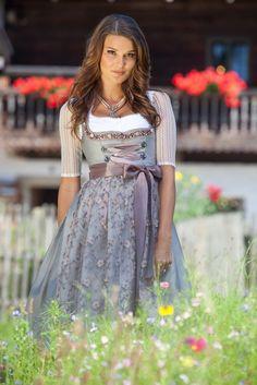 Cute Dress Outfits, Cute Dresses, Girl Outfits, German Girls, German Women, Octoberfest Girls, Frack, Dirndl Dress, Mori Girl