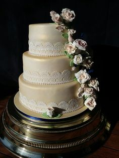 wedding cake in gold lustre