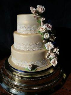 wedding cake in gold lustre