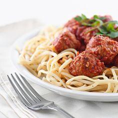 Receta de Espaguetis con albóndigas - Fácil - 7 pasos