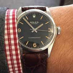 This extremely rare 34mm handwound Rolex Commando will be available in the @christiesinc Watch Shop tomorrow for $14,900USD. Collectors, start your engines, the chance of this being a modded AirKing or Explorer are practically zero thanks to the dili