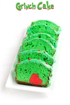 Simple Grinch Cake for Christmas by www.thebearfootbaker.com