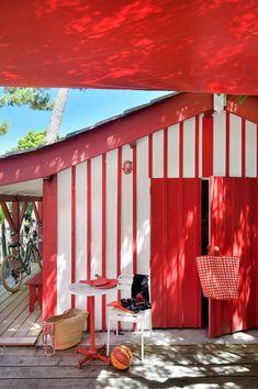 Maison de pêcheur rénovée pour vacances en famille au Cap Ferret - Côté Maison Garden Living, Home And Garden, Moroccan Garden, Guest Bedroom Office, Garage Renovation, Outdoor Living, Outdoor Decor, Coastal Homes, Cottage Homes