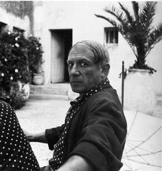 The world of old photography: theconstantbuzz: Pablo Picasso by Lee Miller,...