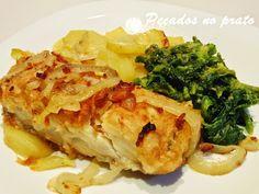 Receitas de pecados no prato: Bacalhau da casa Portuguese Recipes, Portuguese Food, Cod Fish, Spanish Food, Fish Dishes, Lasagna, Carne, Cabbage, Cooking Recipes