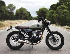 Hanway Scrambler 2.0 #custom #hanwayscrambler #motorcycles #motor #hanway #retro #classic #vintage #motos #custombike #bike #biker #motorbike #motophoto #caferacer #instamoto #nature #scrambler #allterrain #spring #mototerapia