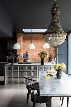 A Victorian townhouse in London created by studio Minifie Architects with dramatic dark interiors, a soft-industrial vibe, modern touches and the impeccable English style. Home Decor Kitchen, Kitchen Design, Kitchen Rustic, Kitchen Ideas, Rustic Table, Kirkland Home Decor, 21st Century Homes, Interior And Exterior, Interior Design