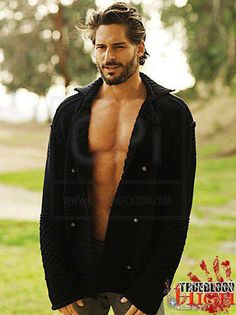 Joe Manganiello black shirts make everything better lol Ideal Man, Perfect Man, Joe Manganiello True Blood, Beautiful Men, Beautiful People, Hot Actors, Hollywood, Ex Husbands, Cute Guys