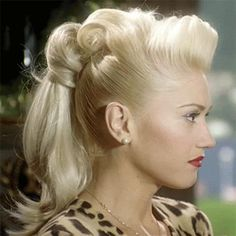 Pin-up Gwen Stefani hair do Retro Hairstyles, Wedding Hairstyles, Ponytail Hairstyles, Updos, Gwen Stefani Hair, Gwen Stefani Cool, Look Rockabilly, Rockabilly Party, Look Retro