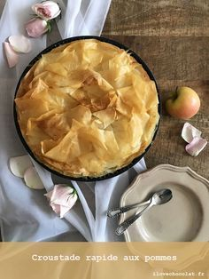 Discover recipes, home ideas, style inspiration and other ideas to try. Homemade Cake Recipes, Best Cake Recipes, Apple Recipes, Cupcake Recipes, Dessert Recipes, Favorite Recipes, Quick Apple Crisp, Cake Recipes From Scratch, Food Cravings