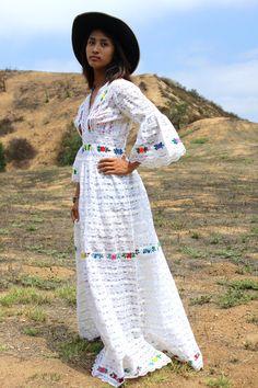 Stunning Mexican Lace Wedding Dress Circa ~ 1970s