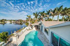 Ferienhaus Villa Flamingo in Cape Coral am Yachhafen Fort Myers Beach, Villa, Spa, Florida, Outdoor Decor, Home, Gulf Of Mexico, Islands, Seating Areas