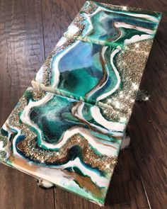 This geodo sold this week, but someone please commission another, they are so beautiful and so much fun to make! What c… – resin crafts Diy Resin Art, Art Diy, Resin Crafts, Creation Image, Creation Deco, Acrylic Pouring Art, Acrylic Art, Resin Artwork, Triptych