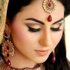 Beautiful Indian Bridal Makeup Looks For Girls