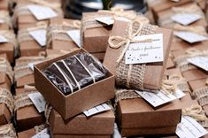 New cookies packaging design wedding favors Ideas Brownie Packaging, Baking Packaging, Dessert Packaging, Food Packaging Design, Gift Packaging, Wedding Gift Boxes, Wedding Favours, Wedding Cookies, Havanna Party