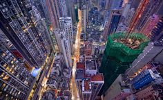 Capturing Hong Kong's Dizzying Vertical Density