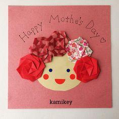 """549 Likes, 19 Comments - kamikey カミキィ (@kamikey_origami) on Instagram: """"母の日プレゼントに添えるカード案折り紙セットに入っている厚紙に貼りました。カードというより色紙ですね^ ^「八重桜」の作り方動画はプロフィールにリンクがあるYouTube""""のkamikey…"""""""