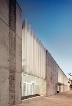 Image 4 of 26 from gallery of Esteve Albert High Scool / Estudi Nao + José María Gutiérrez. Photograph by José Hevia