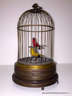 Oggettistica d`epoca - Oggetti vari Gabbia con uccellini canterini - Gabbia carillon in metallo con automi Immagine n°1