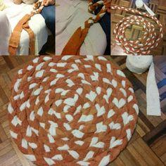 Tapete feito de toalhas velhas cortadas em tiras, depois trançadas! Artesanato fácil!