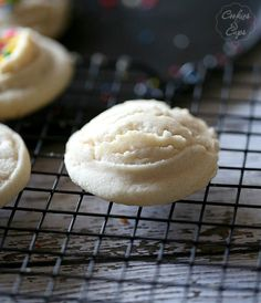 Soft Amish Sugar Cookies - Cookies and Cups I added Heath bits to the batter. It made these amazing!
