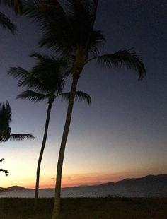 Strand Sunset Overlooking #magneticIsland Sunsets, Island, Celestial, Outdoor, Outdoors, Islands, Outdoor Games, The Great Outdoors, Sunset