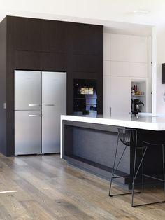 Product: Navlam Sandblasted™ Timber Veneer Colour: Arcadian Oak Interiors: Austin Design