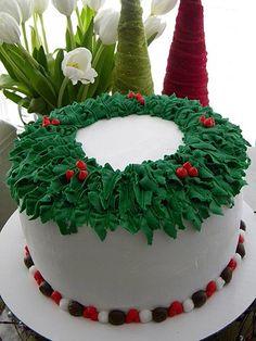 Love the wreath cake!