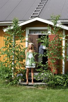Juhannuskoivut - Midsummer birches by the house Finland Good Old Times, Beltane, Windy Day, Summer Dream, Summer Solstice, Wow Products, What Is Like, Summertime, Nostalgia