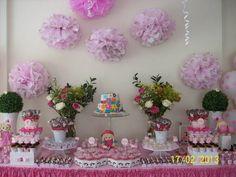 Decoração completa para chá de bebê, mesa principal, mesa de salgados, espaço para lembrancinhas, entrada, kit toillete no banheiro, mesa de convidados (10), balões com gás hélio, arranjos de flores naturais.  Fazemos também para meninos.