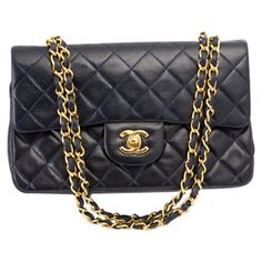 Bag timeless CHANEL Navy Blue  Leather  http://uk.vestiairecollective.com/sac-timeless-chanel,19.shtml    Vestiaire Collective