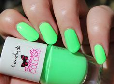 1 (light neon green) … – Keep up with the times. Winter Nail Art, Winter Nails, Summer Nails, Neon Green Nails, Neon Nails, Christmas On A Budget, Christmas Gifts, Neon Nail Polish, Short Nails