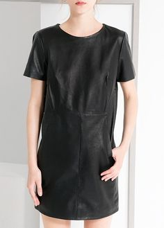 Leather dress with decorative seams. Round neck, short sleeves, keyhole detail at back and inner lining. Weather Wear, Leather Dresses, Tomboy Fashion, Who What Wear, Editorial Fashion, Dress Skirt, Short Sleeve Dresses, Dresses For Work, Street Style