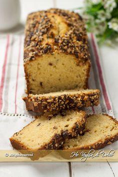 Plumcake alle nocciole e cioccolato, sofficissimo. Un dolce soffice e morbido con tante nocciole , facile da preparare, ottimo per la colazione e la merenda
