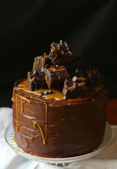 Brownie and Salted Caramel Layer Cake  :: www.scarletscorchdroppers.com