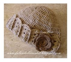 """FALANDO DE CROCHET"": GORRO DE CROCHET BEGE COM PASSO-A-PASSO crochet hat with flower, shells and front post double crochet stitches fpdc"