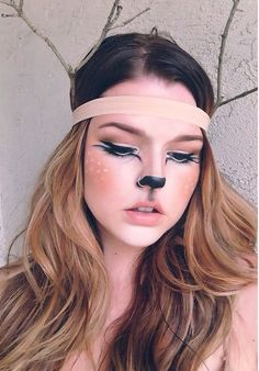 Awesome 30 Christmas party makeup ideas easy to copy - Weltknuddeltag Lustig Deer Halloween Costumes, Halloween Make Up, Reindeer Costume, Halloween Face Makeup, Halloween Pictures, Beauty Costume, Costume Makeup, Crazy Makeup, Makeup Looks