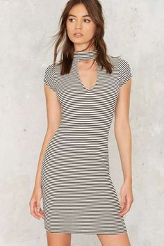 Dibuje una Mock Neck Dress paralelo - Vestidos