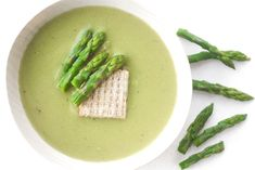 Take advantage of in-season asparagus this spring and savour its flavour in a delicious and smooth, creamless cream of asparagus soup.