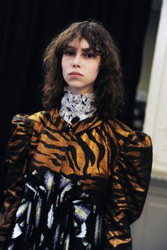Backstage Kenzo-Fall-Winter-2016 Paris Fashion Week Crash Magazine Elise Toïdé