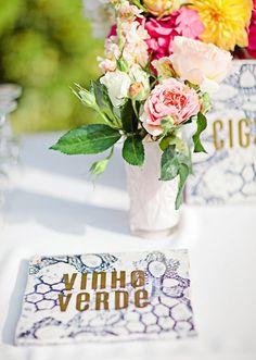 """Casamento """"à portuguesa"""" realizado na Califórnia (E.U.A) - Cardápio ou porta taças? Ainda não defini. Azulejo português!"""