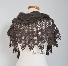 THIS LISTING IS FOR THE PATTERN ONLY AND ONLY AVAILABLE IN ENGLISH AND DUTCH. The pattern will be emailed to you within 48 hours.  OOK DE