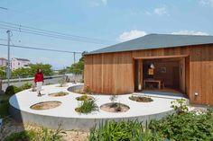 Gallery of House in Mukainada / FujiwaraMuro Architects - 1